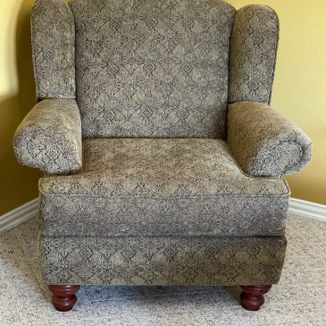 Lovely Lounge Chair